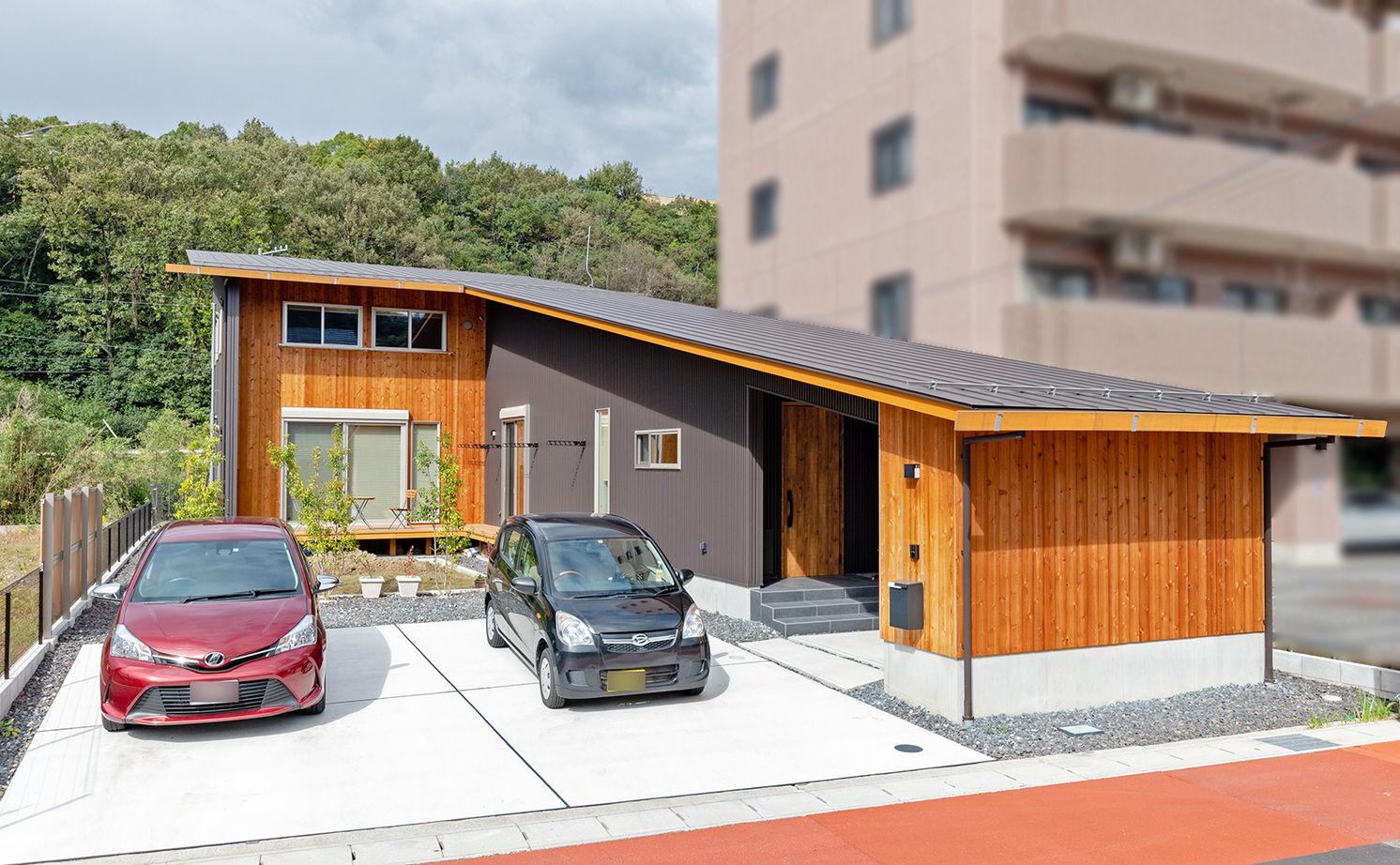 【2000万円台/間取り図有】27m長屋根の二世帯住宅。家族との距離感を保つ平屋風和モダンの家画像2