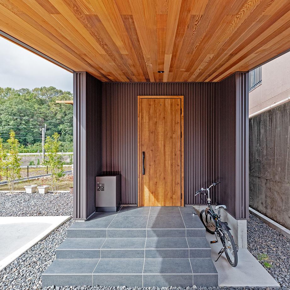 【2000万円台/間取り図有】27m長屋根の二世帯住宅。家族との距離感を保つ平屋風和モダンの家画像3