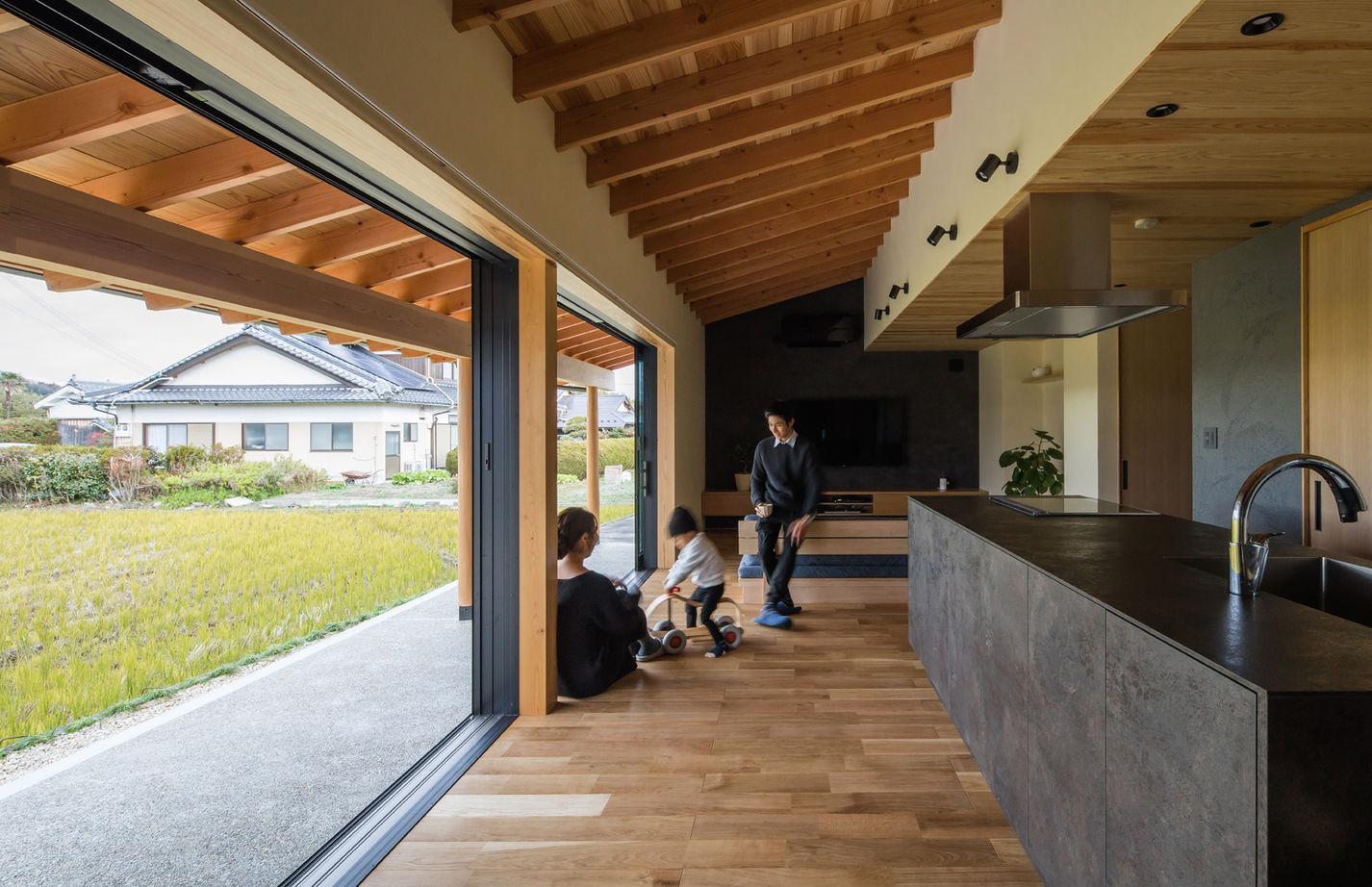 室内でありながら外の雰囲気を楽しめて、家族が心からくつろげる「風景を取り込む家」画像1