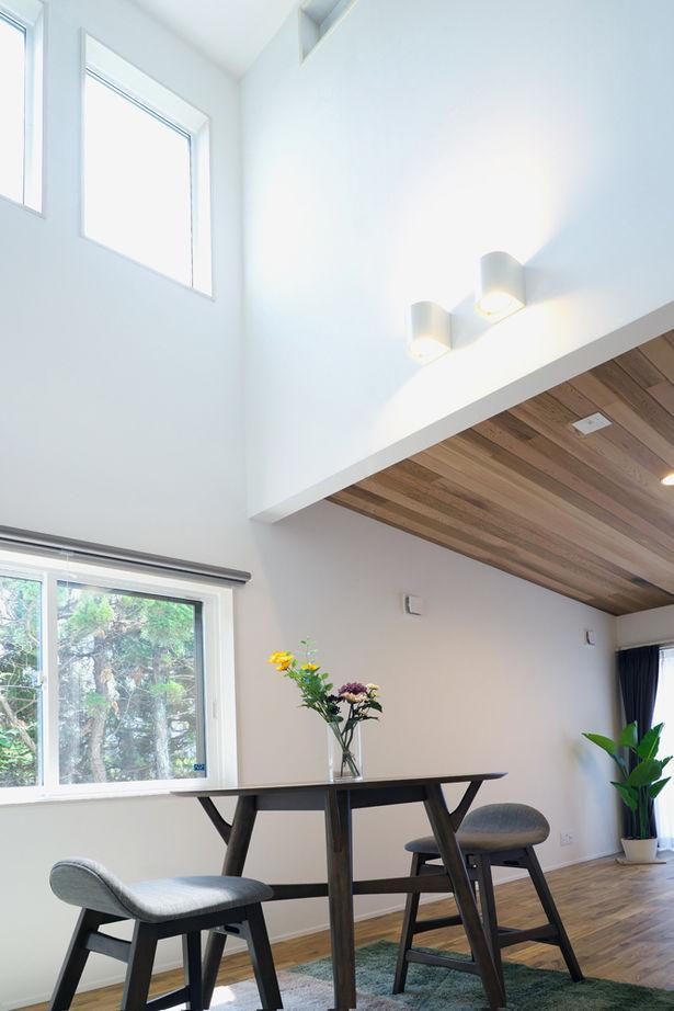 縦に横に、広がる大空間。UA値0.44、C値0.30の気密性能で、住居兼オフィスを快適に画像3