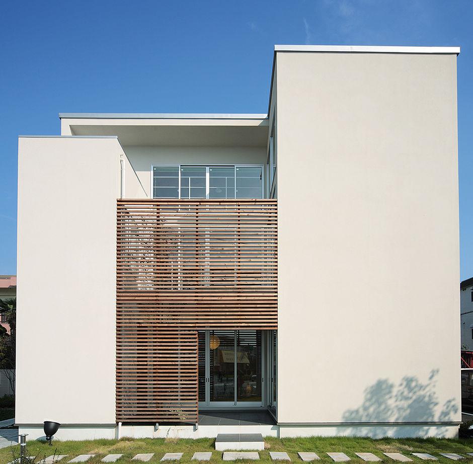 【1690万円/28坪/間取り有】外に閉じ、中庭やテラスから光を取り入れる。周囲を気にせず寛げる家画像3