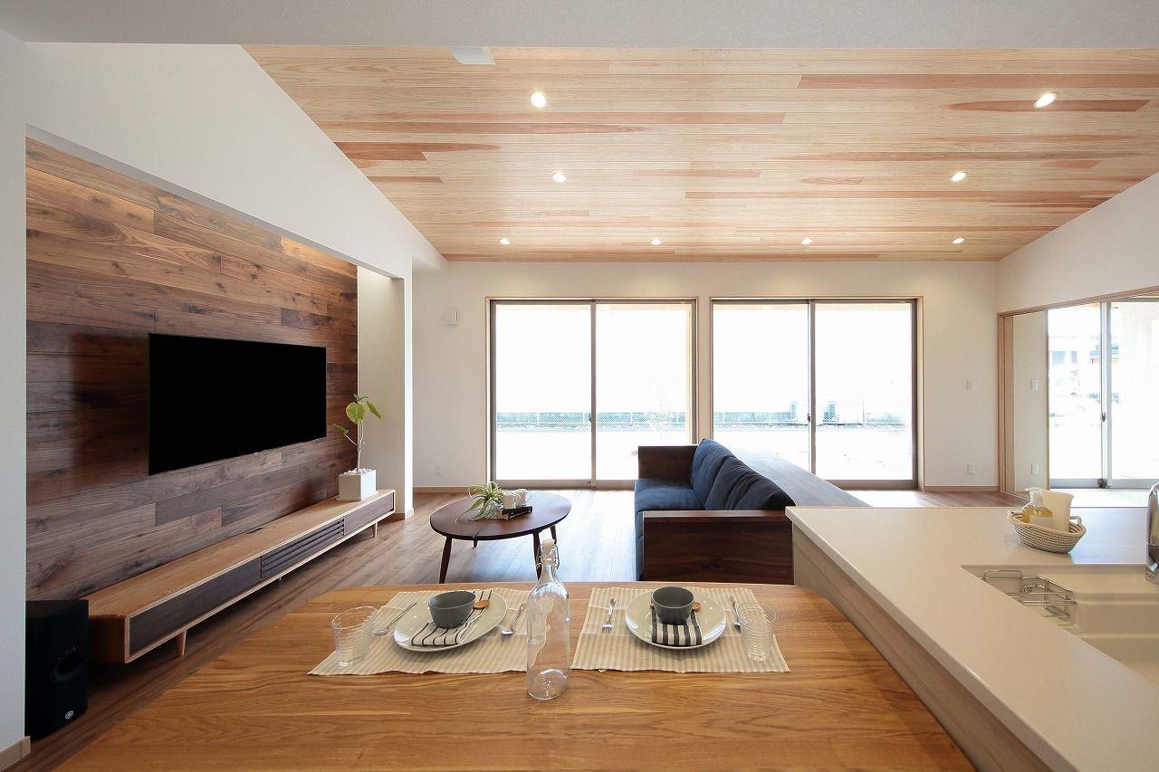 【本体価格2300~2400万円/32.5坪/平屋】室内の木のぬくもり、外の自然の緑に癒される平屋画像3