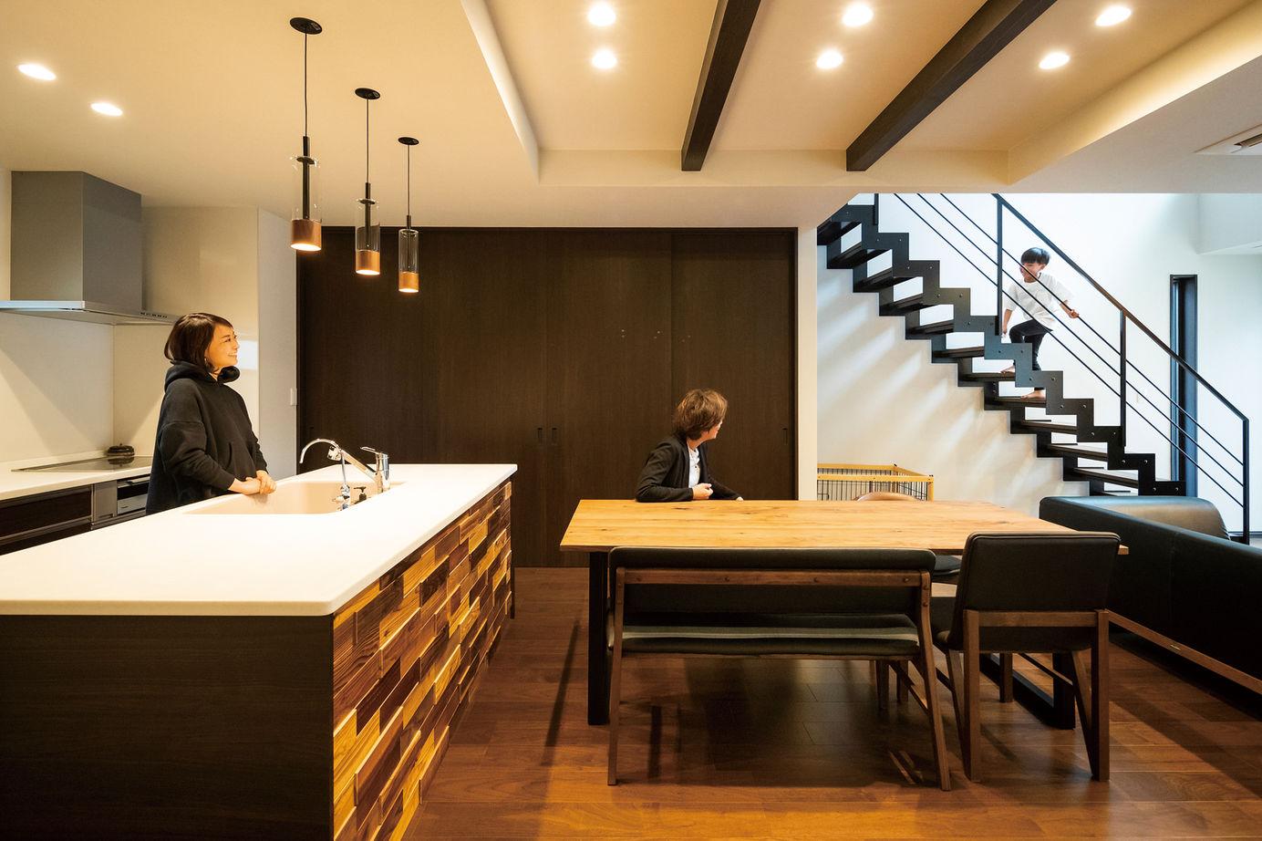 カッコよく、暮らしやすい。夫婦の憧れをカタチにした、寛ぎのデザイン住宅画像1