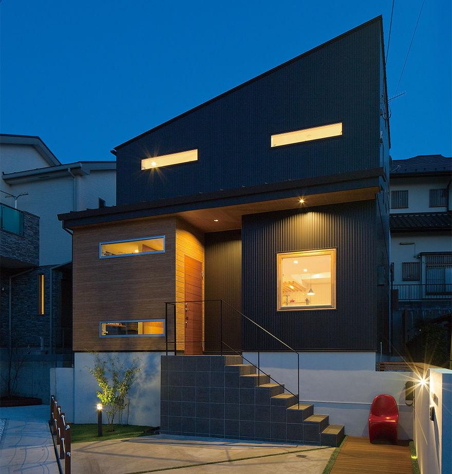 【間取り有/2270万円/家カフェデザイン/吹き抜け/無垢床】難しい敷地条件を克服。シックでかっこいい家画像1