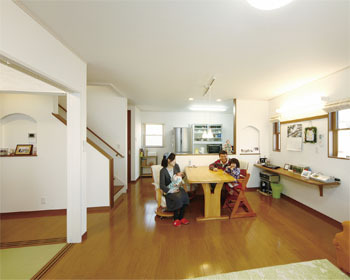 【1954万円・39坪】頑丈さと暮らしやすさを兼ね備えた、大切な家族を守るテクノストラクチャーの家画像1