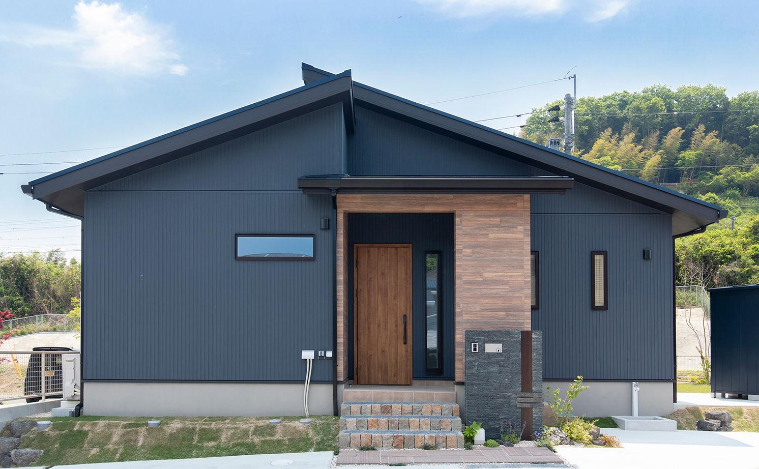 平屋でのびのび暮らしたい!木の温もりとセンスのいい家具、ZEHの省エネ性もしっかり画像1