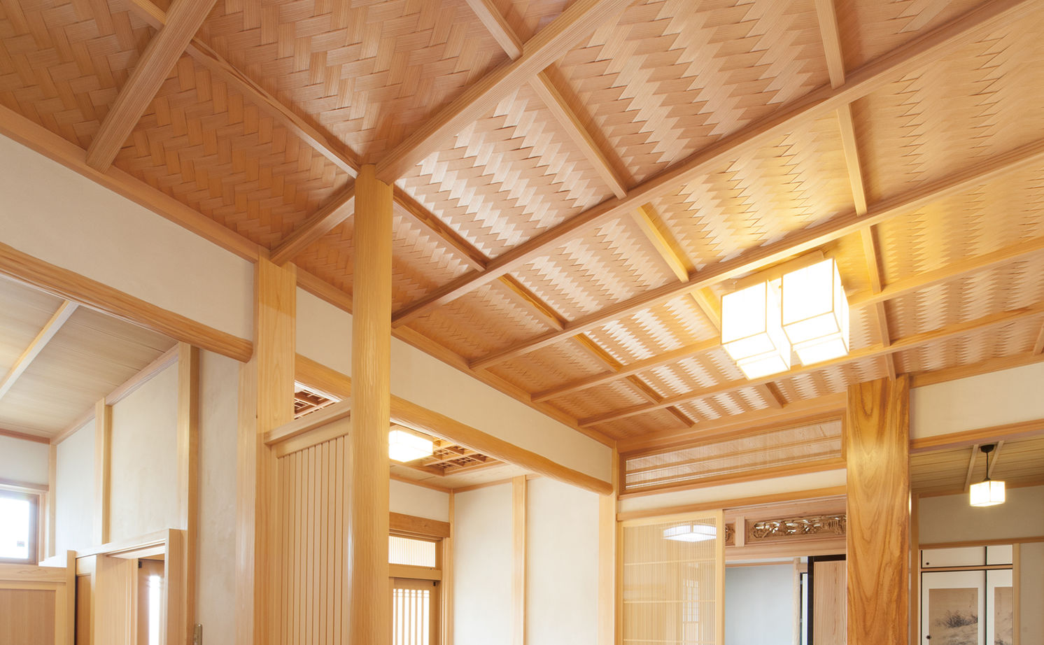 日本建築の文化と伝統を継承し、末永く住むほど味わいが出る、頑丈な無垢木材で建てた平屋の家画像3