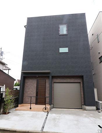【1500万円×ガレージハウス×吹き抜け】夏涼しく冬暖かい「高性能省エネ」の3階建て住宅画像1