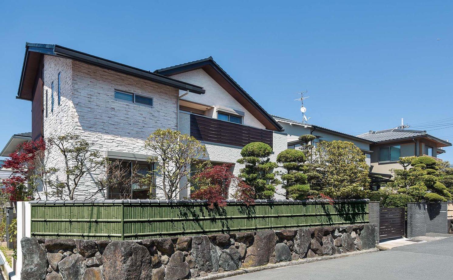 築40年の木造住宅を建て替えて快適に暮らす。美しい庭を眺めながら親族友人がゆったり集える大空間の家画像1