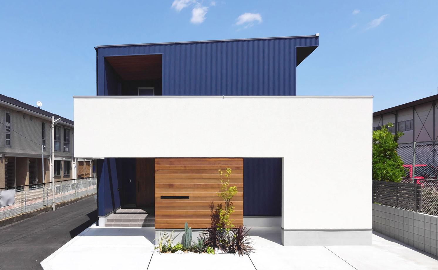 【2990万円/2台駐車】将来を見据えた間取り構成 10帖の吹き抜けが魅力的なパッシブデザインの家画像1