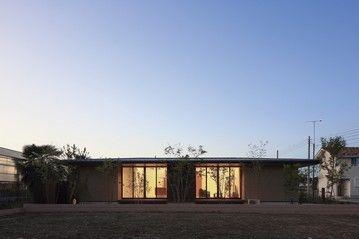 【2200万円台】線の美しさが際立つ、天然素材に包まれ家族の絆が深まる平屋住宅画像1