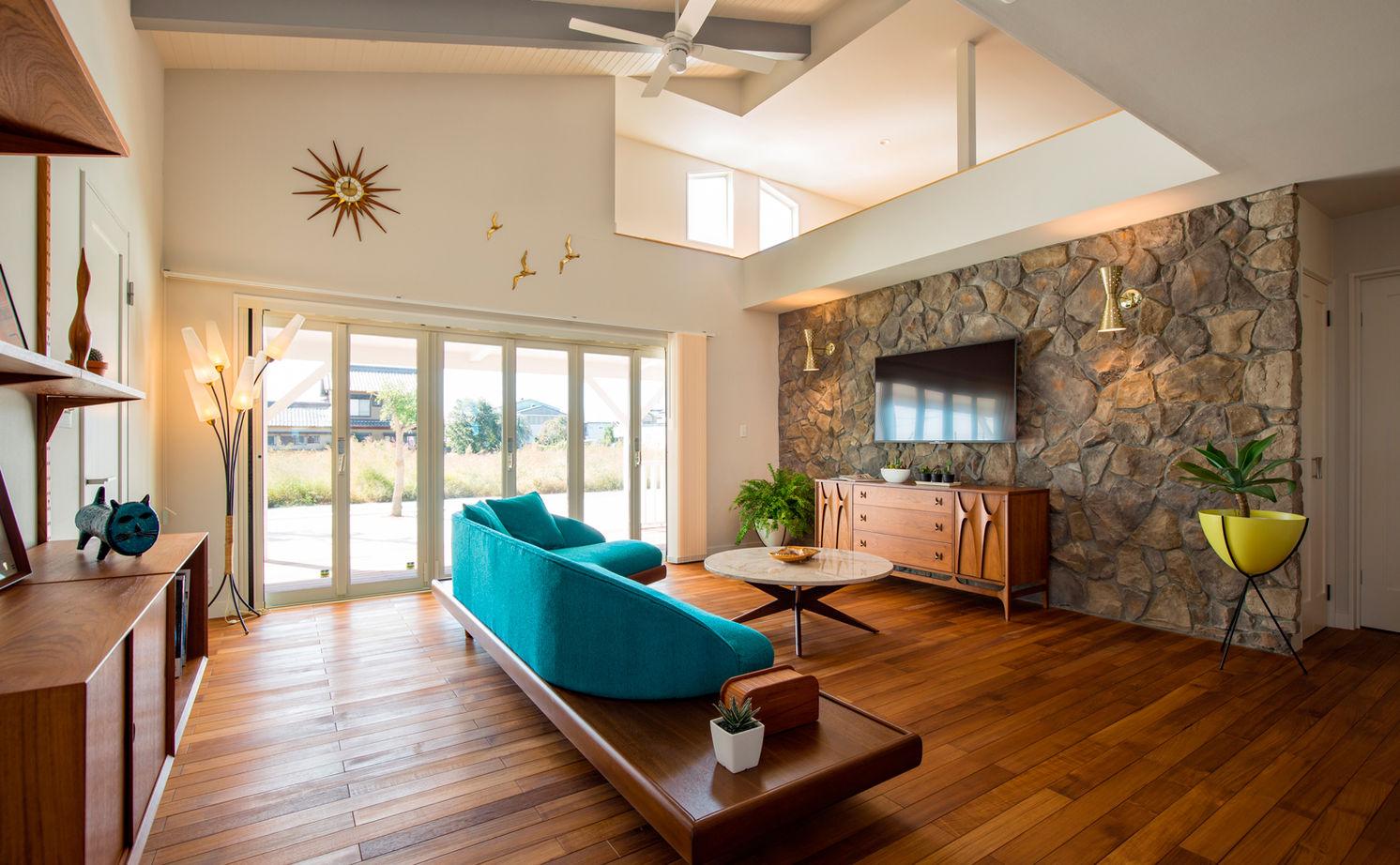 【アメリカンスタイル×平屋】無垢材など素材の質感にこだわった、ミッドセンチュリー家具が映える家画像2