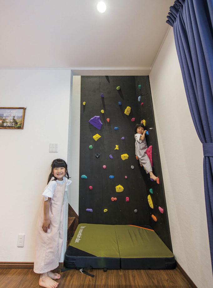 子世帯のLDKはテクノストラクチャーの特長を活かして広々空間(約19畳)に。キッチンの隣に水まわりを集約し、家事動線を短縮 【2000万円台】