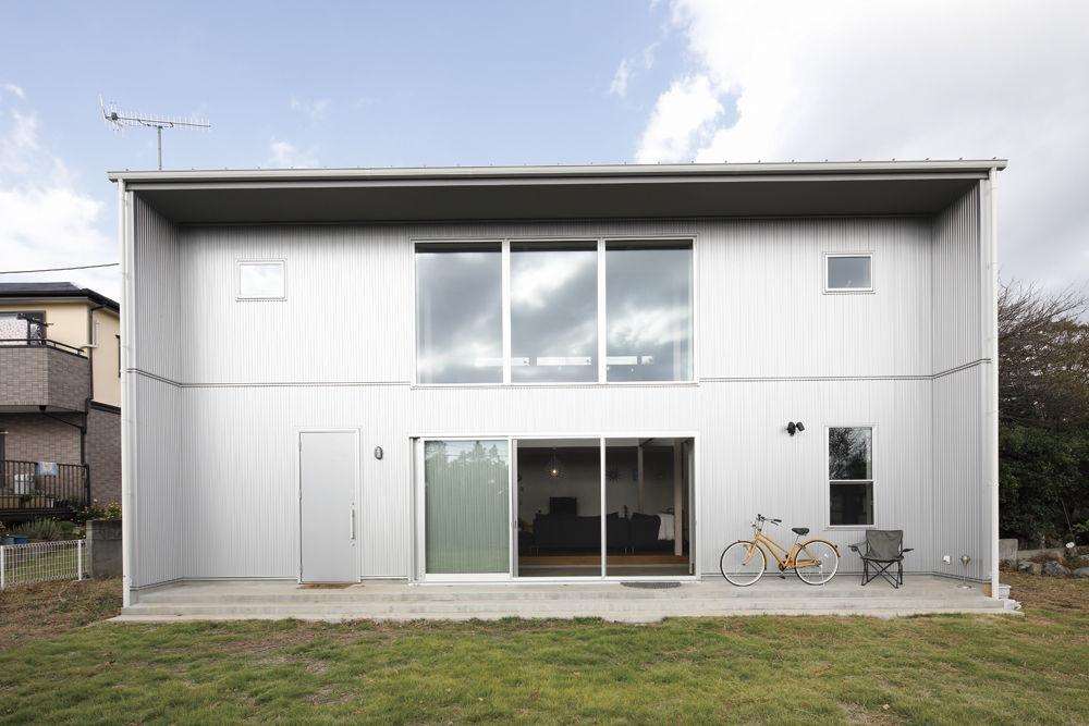 【2280万円】玄関土間から間仕切りなしで広がる吹き抜けのLDK。倉庫風の外観デザインが印象的画像1
