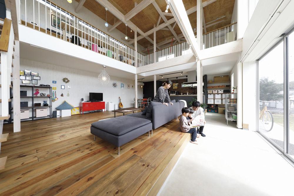 【2280万円】玄関土間から間仕切りなしで広がる吹き抜けのLDK。倉庫風の外観デザインが印象的画像2