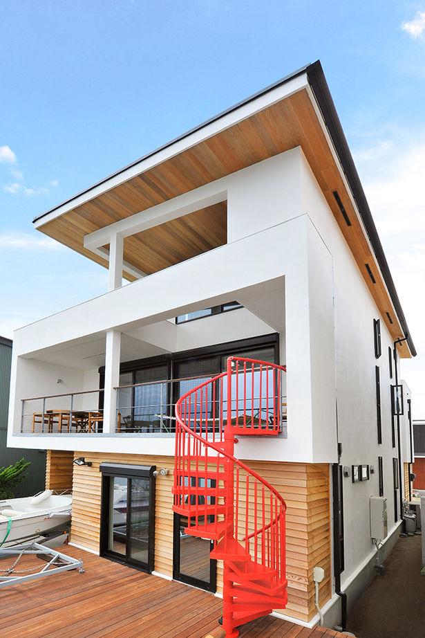 「ガレージハウス」「屋上庭園」と趣味にこだわったビルトインガレージの家【間取り有】画像2