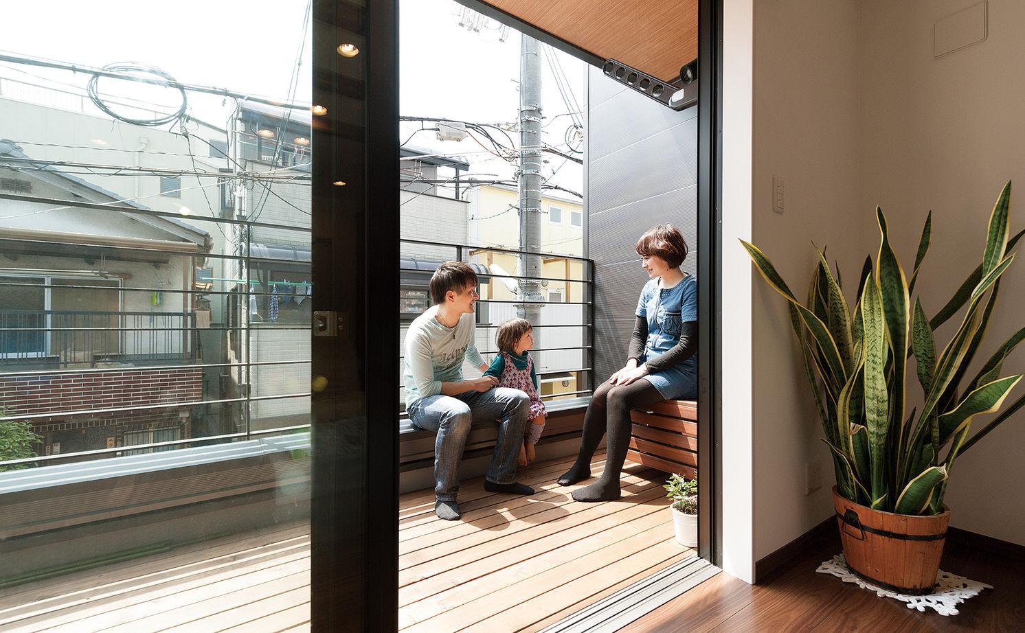 【1500~2000万円】わずか17.8坪に建てた2世帯住宅。タテヨコに広がる設計で開放感あり画像3