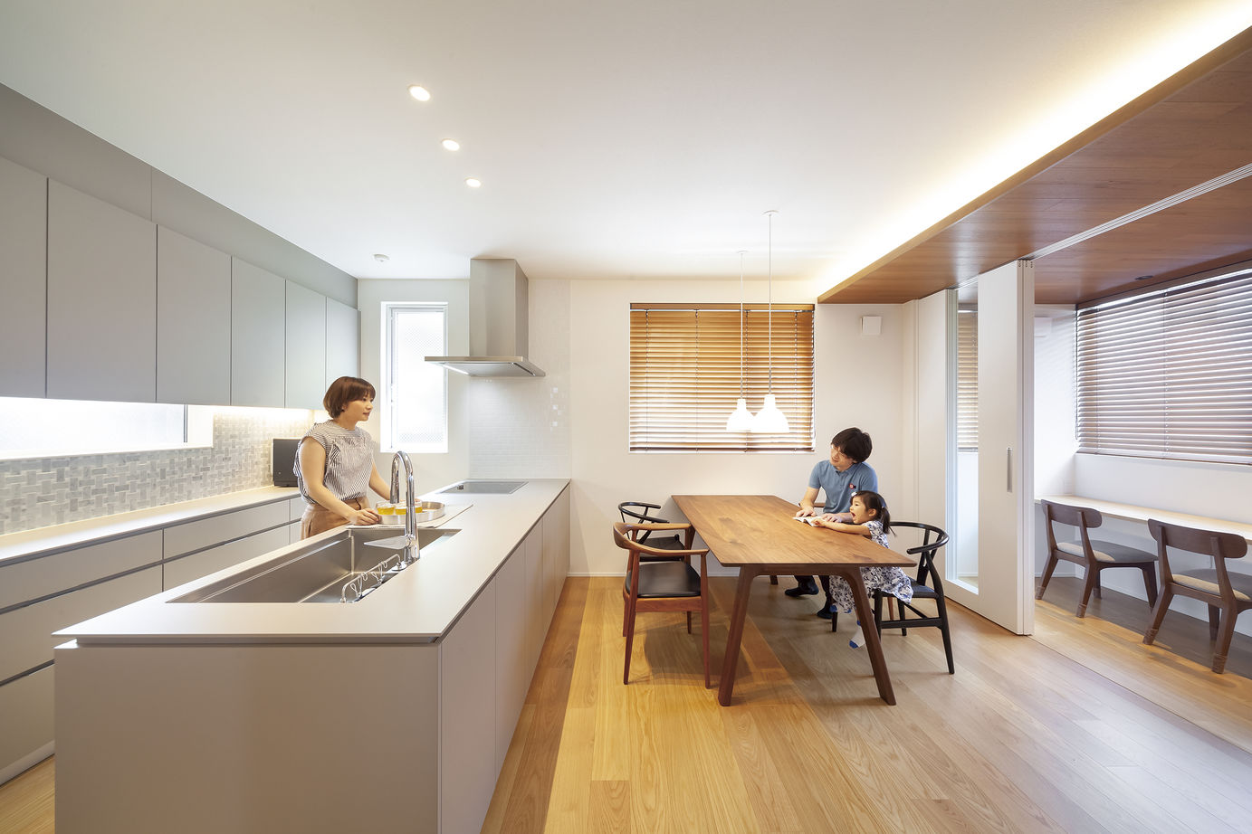 【2750万円・高気密高断熱×デザイン】木の風合いとモダンなキッチン。建築家とつくる心地よい住まい画像1