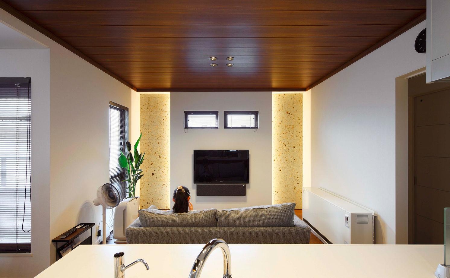 20坪の敷地で広く暮らす工夫が満載。ビルトインガレージや大収納空間「蔵」画像2
