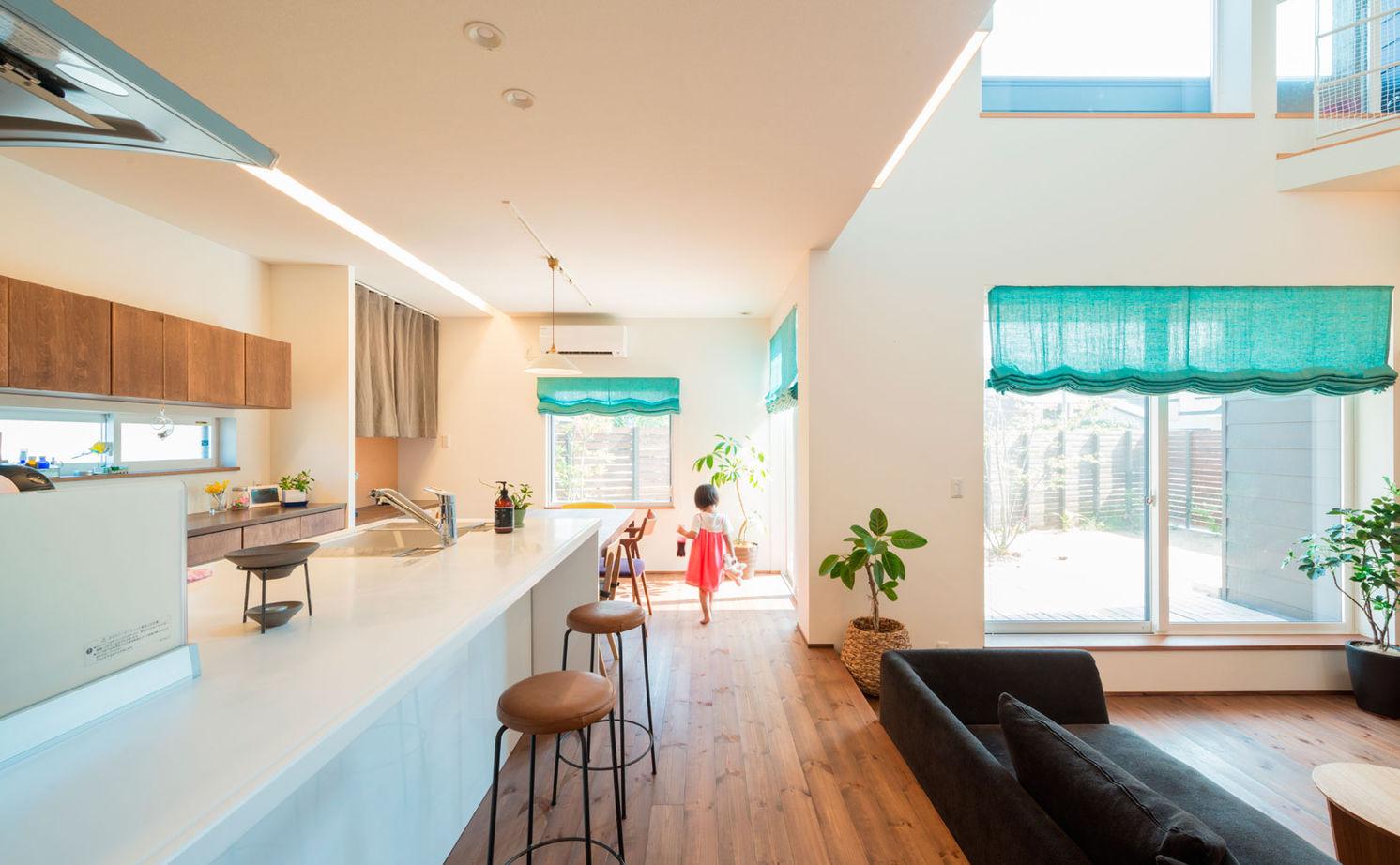 【2000~2500万円】「平屋」風スキップフロアの「ガレージハウス」。空間をタテに広げ、面積以上の開放感!画像2