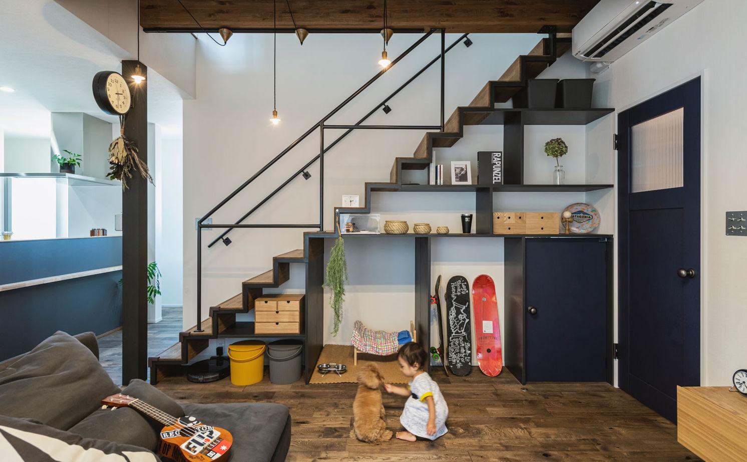 【2000~2500万円/間取り図有】インダストリアル×鉄骨階段のアートな棚。常識を覆す仕掛けがカッコいい!画像2