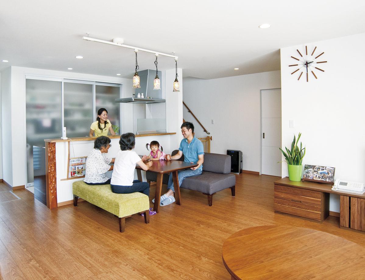 4世代が仲良く暮らせる家 太陽光発電の売電収入も魅力画像1