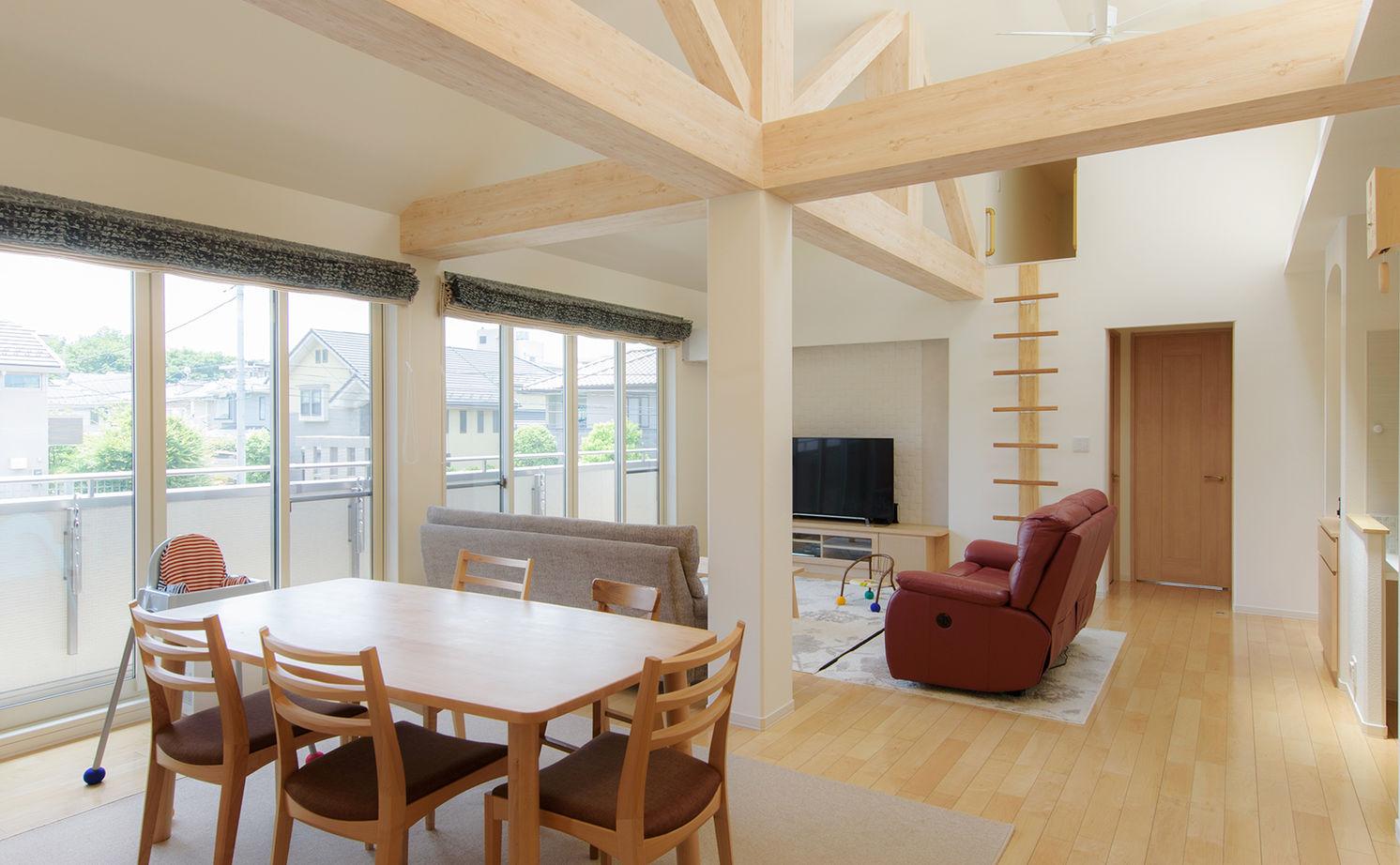 理想の子育て環境と、ワンフロアで生活できる便利さをかなえた完全分離型二世帯住宅画像1