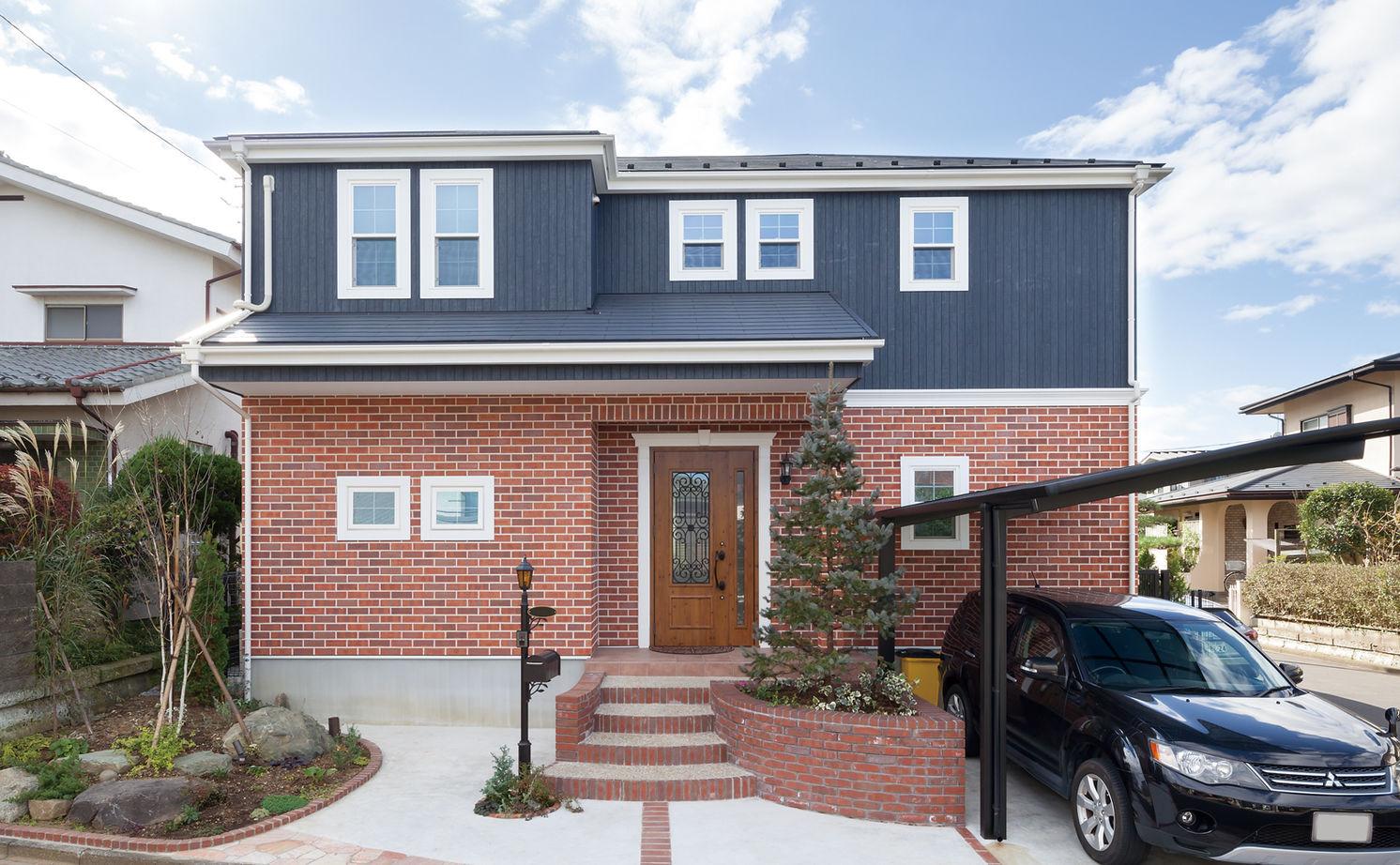 【1000万円台・間取り図公開】アメリカ住宅の軽やかなデザインを再現。リビング階段とパノラマ窓のある家画像1