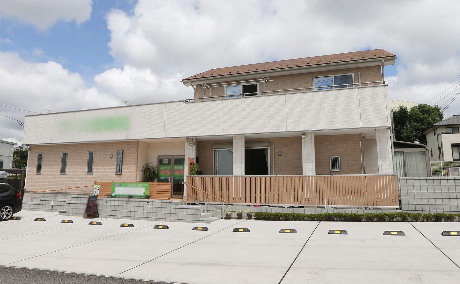 独立を考えて建てた店舗併用住宅画像1