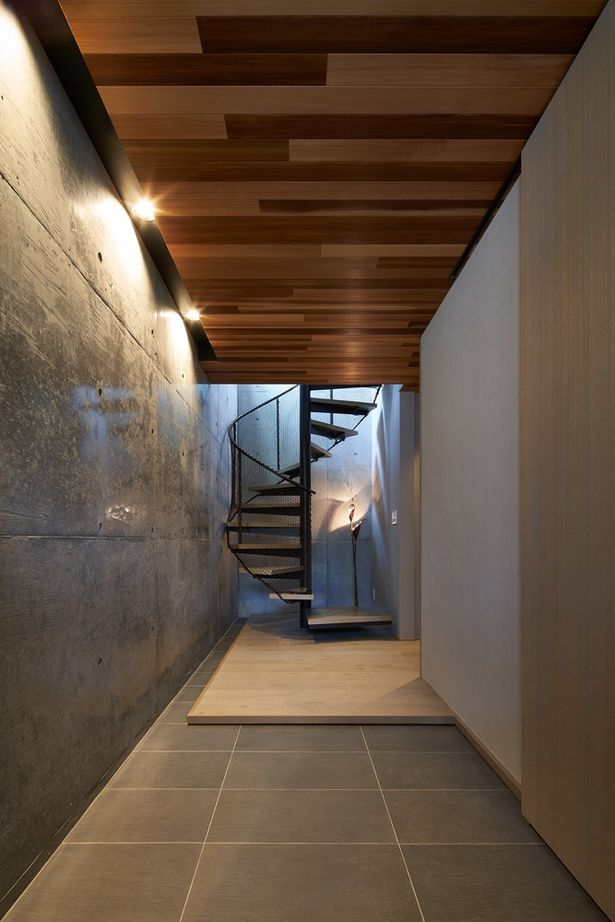 敷地を読み込んで斜面地を生かし期待以上の眺望を実現 インナーガレージも敷地活用の一環として計画画像3