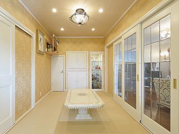 ロココ調の家具が映える優美な邸宅 年中快適な室内に上質の時が流れる画像3
