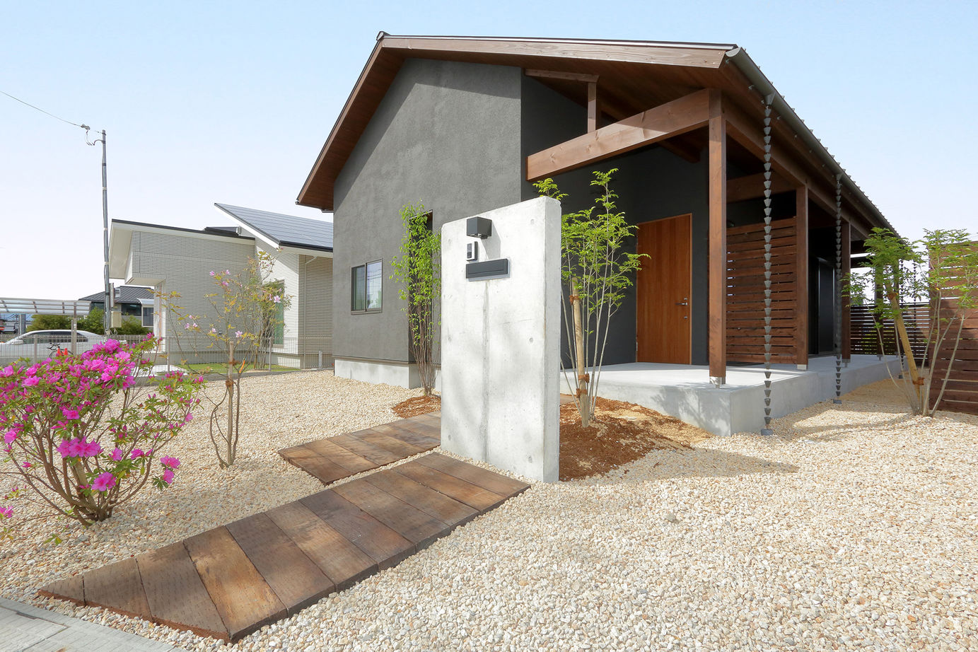 【1500~2000万円】シンプルな間取りで叶えたコンパクトな暮らし。趣味を楽しむ大人の平屋建て住宅画像1