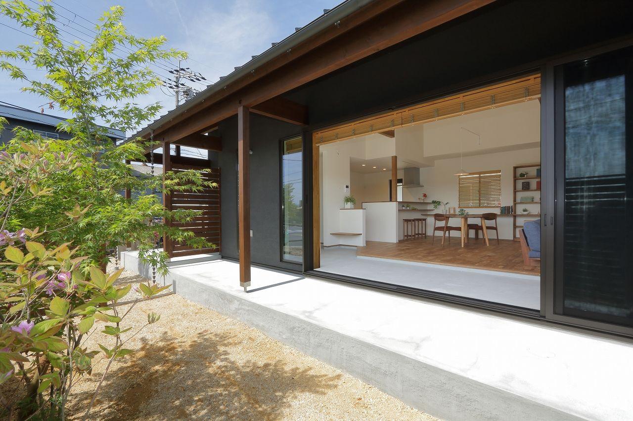 【1500~2000万円】シンプルな間取りで叶えたコンパクトな暮らし。趣味を楽しむ大人の平屋建て住宅画像2