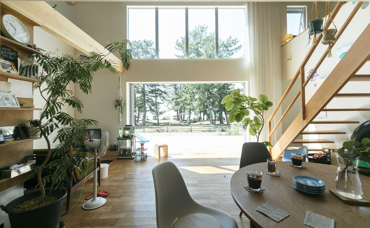 【2100~2200万円】大きな窓に広いテラス、吹き抜けで空間全体が繋がる湖の景色と暮らす家画像1