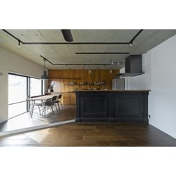 SCHOOL BUS / スクールバス空間設計のマンションリフォーム実例