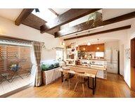 【ハウスアップ伏見区深草】クロスやタイルのあしらい、細部まで参考になるおしゃれなカフェ風モデルハウス