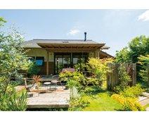 【珍しい平屋モデルハウスを体感:本体価格2410万円】自然素材の住空間に広いガーデンも心地いい@野田