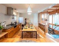 【国分寺モデルハウス/27.5坪・2LDK】都市部でも開放的な暮らしが叶う『通り庭の家』。随時内見OKの見どころ1
