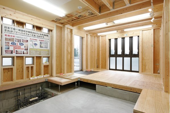 本社メインショールーム【3階建てモデルが丸ごと1棟ギャラリーの中に 泉北1号線沿い】11