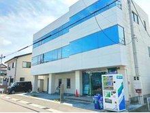 福島県福島市の本社事務所です!国道115号線を旧国道側に南下し、すぐに事務所があります。(看板があるのですぐにわかります