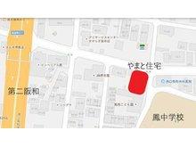 堺市立「鳳中学校」正門、堺市立「鳳西こども園」が目印です。