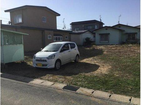 海老川町(下北駅) 500万円 南東側より敷地を撮影。現況ゴミ置き場ありますが、車が2~3台停められます。