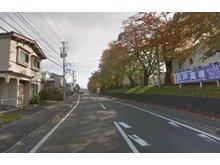 大字田面木字外久保(八戸駅) 490万円 比較的交通量の多い通りです。春は高専の桜並木がキレイです。