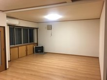 字寺ノ沢(野辺地駅) 930万円 室内(2020年12月)撮影 FFストーブ、大型エアコンも付いてます。