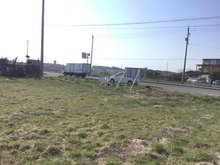 苗振谷地(下田駅) 2400万円 現地(2019年5月)撮影 敷地の奥の方から道路を撮影しました。