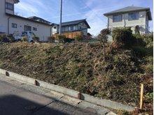 大字沢里字沢里山(本八戸駅) 445万円 道路との間に高低差あります