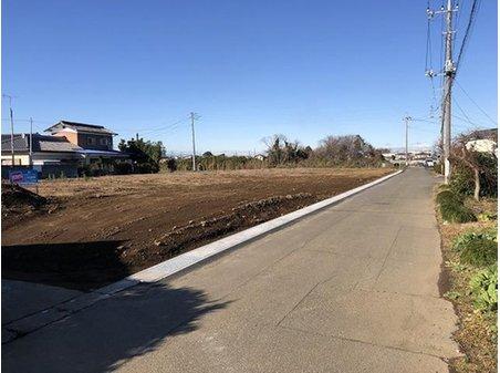 古戸町(西小泉駅) 660万円~760万円 側溝入替えして道路も広くなりました。