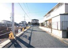 大字村松(東海駅) 1860万円 前面の道路も広いので安心ですね