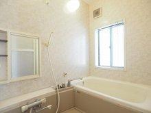 中(荒川沖駅) 1698万円 室内(2021年9月)撮影 毎日の疲れを癒す浴室。