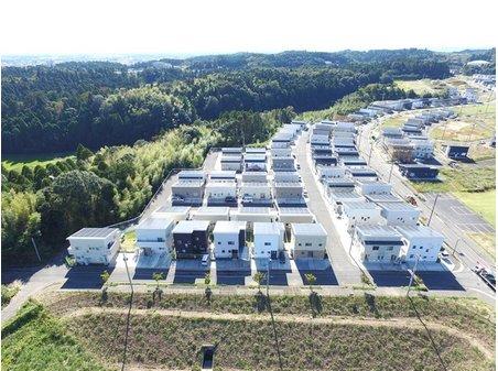 八坂台4 1980万円~4280万円 高気密・高断熱のオール電化住宅です! 太陽光発電システム11.25kw搭載!月々の売電収入が得られます。 住宅ローンのお支払いに売電収入を割り当てると 月々1万円~のお支払いが可能です。